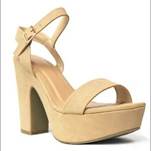 6.5 women's tan platform heels brand new